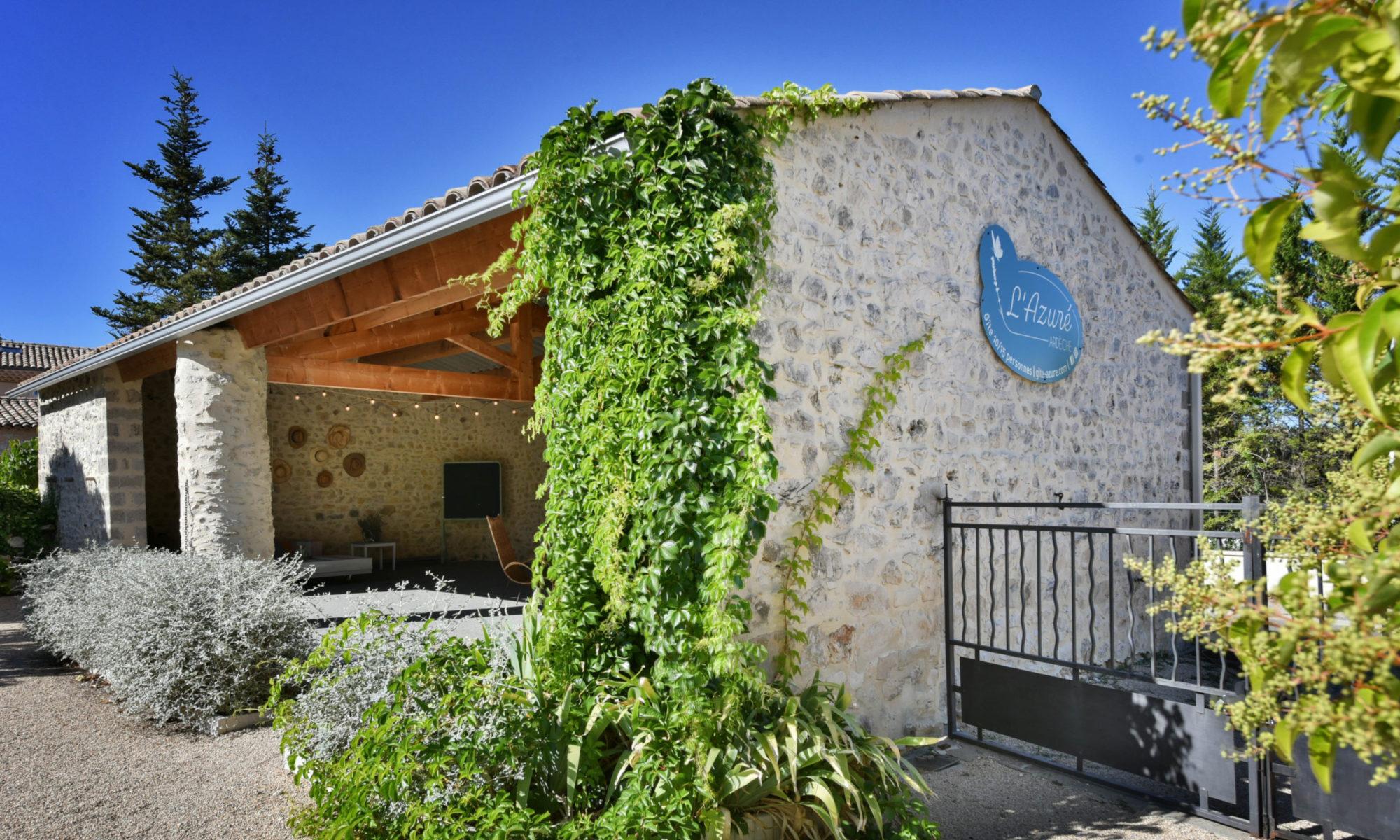 Gîte 10/15 personnes en Ardèche méridionale